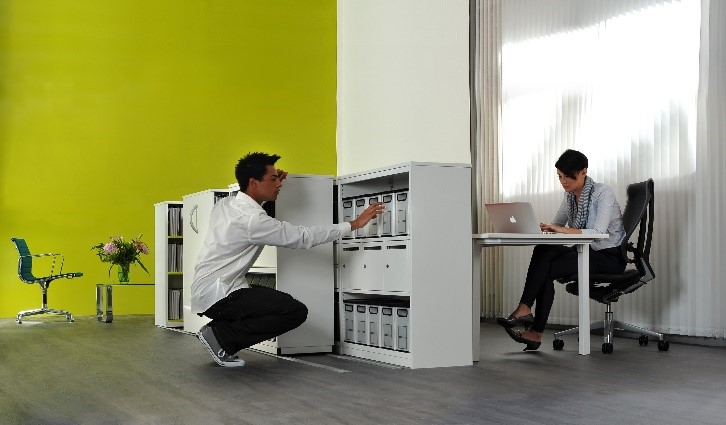 Lowtrak storage system